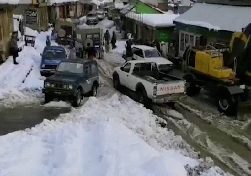 Al menos 50 muertos y 20 desaparecidos por avalanchas en Cachemira paquistaní