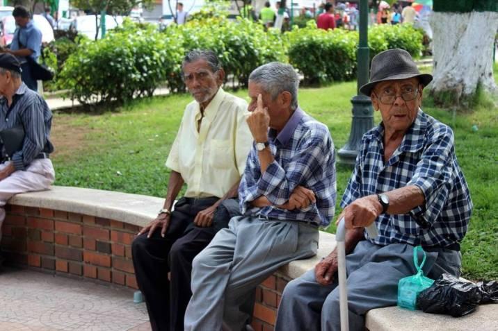 Tres centros dispuestos  para  atender  a ancianos  sin protección