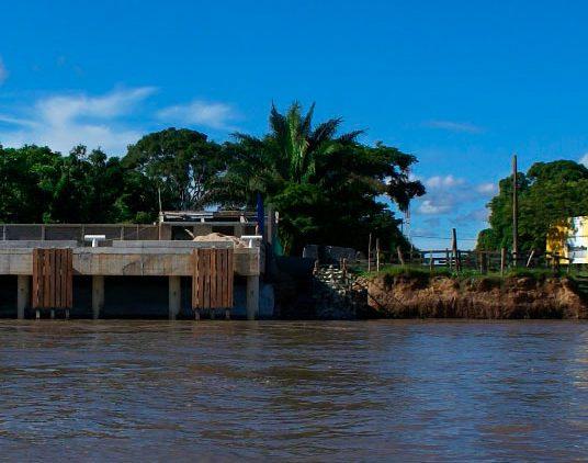 En marcha proyecto para contener la furia del río en Cabuyaro donde está socavando la banca