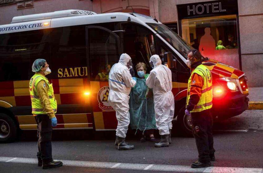 Los contagios y muertes por coronavirus en España repuntan ligeramente y cuarentena para viajeros