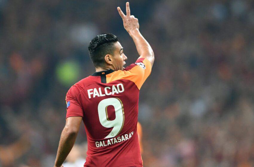 Falcao critica que no se permitan los abrazos para celebrar goles en regreso del fútbol