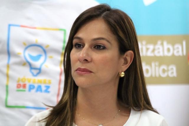 Maritza Martínez, propone pago de un salario mensual a familias vulnerables