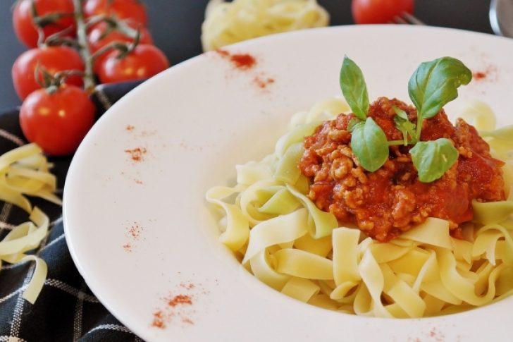 Hora de comer, prepara una deliciosa pasta boloñesa vegana