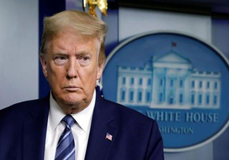 Trump firma una suspensión parcial de la inmigración a Estados Unidos