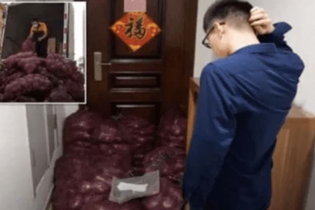 Vengativa mujer manda a casa de su ex una tonelada de cebollas para que «llore»