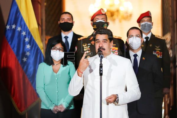 Gobierno venezolano dice que atacantes detenidos querían volar el palacio presidencial