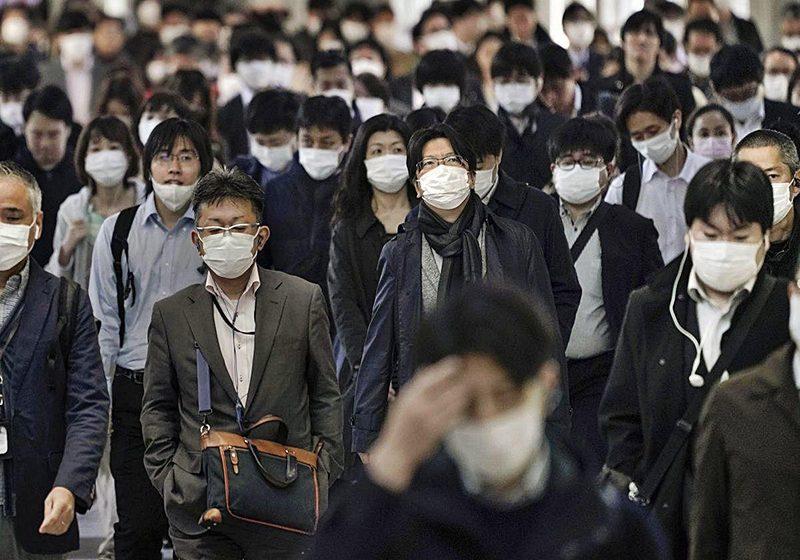 Japón declara el estado de alerta sanitaria y China no registra muertos por COVID-19