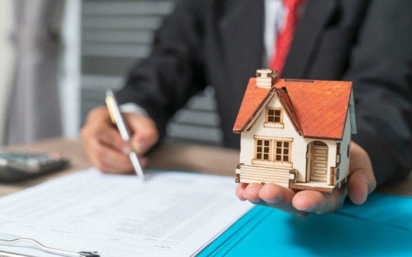 Sigue controversia sobre Hipoteca Inversa y trabajadores señalan que es perjudicial para los adultos mayores
