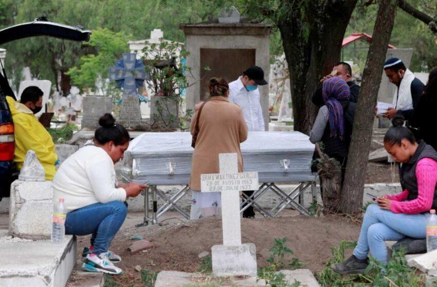 México supera los 100.000 casos de COVID-19 tras récord de contagios y muertes