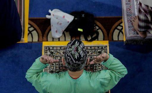 Mezquitas de Singapur retoman los rezos con aforo limitado y reservas online