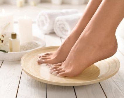 Esta es la razón por la que deberías limpiarte los pies antes de dormir