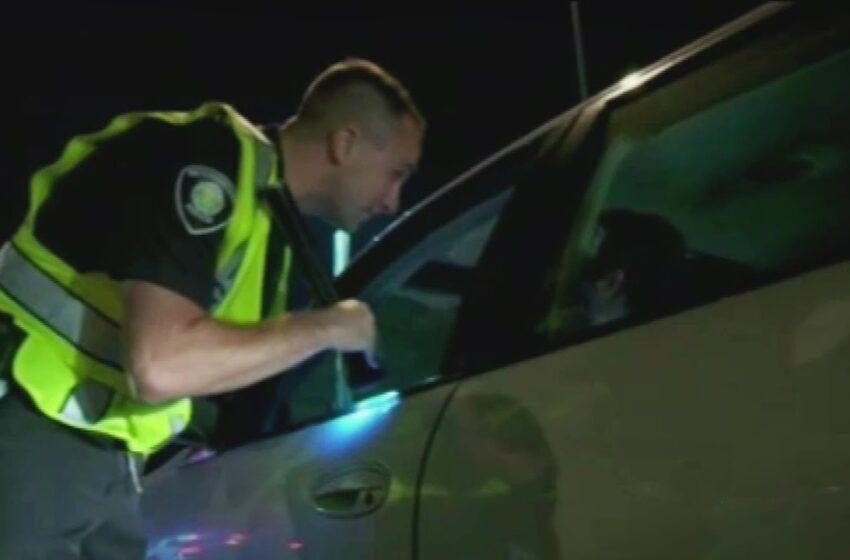 «Sin ofender, pero eres negro»: policía detiene a conductor, solo por su color de piel