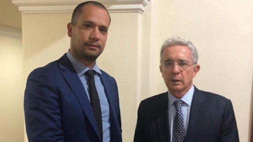 Fiscalía imputa al abogado del expresidente Uribe por soborno a testigos