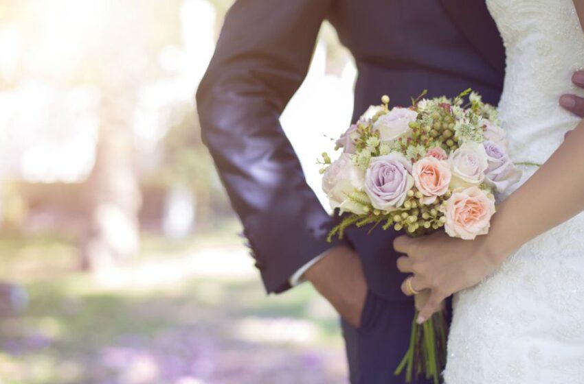 Boda de ensueño acabó en pesadilla porque la novia murió al comer postre del banquete