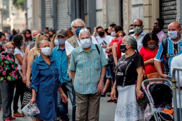 Ola de COVID-19 deja preocupantes récords en EEUU, Brasil y Colombia