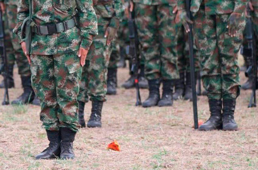 Ejército colombiano entrega a Comisión de la Verdad informe de crímenes FARC