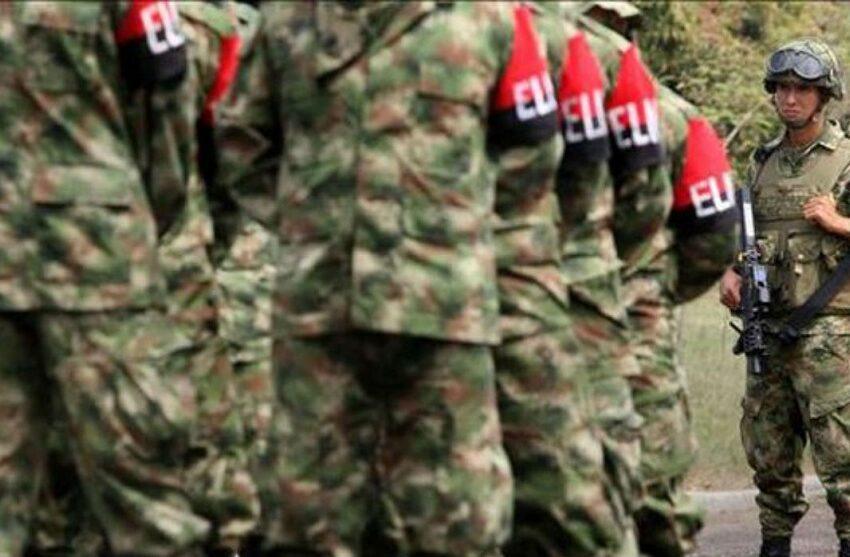 Guerrilleros del ELN se desmovilizan en el suroeste de Colombia