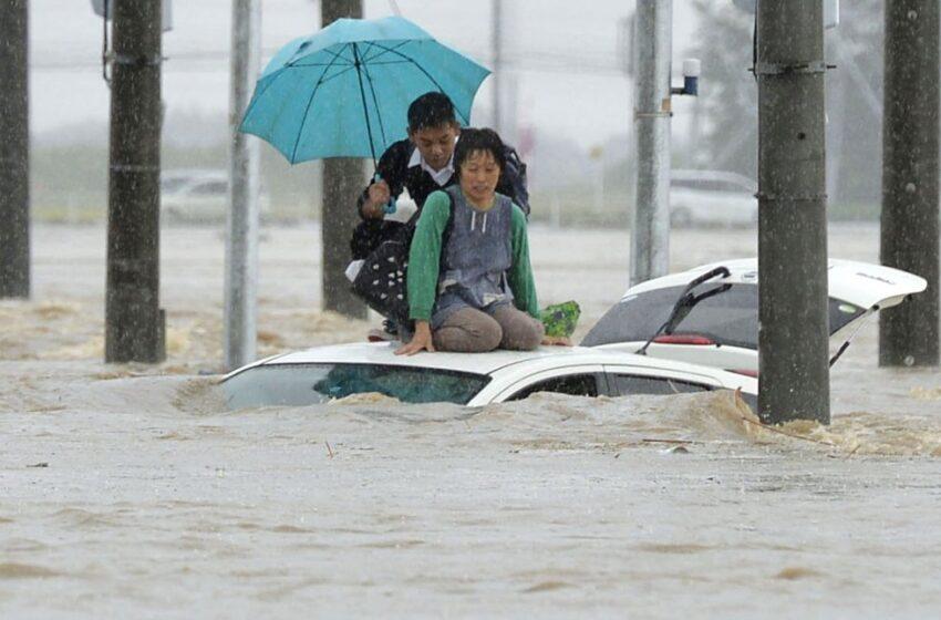 Alertan de continuidad de lluvias que han dejado al menos 64 muertos en Japón