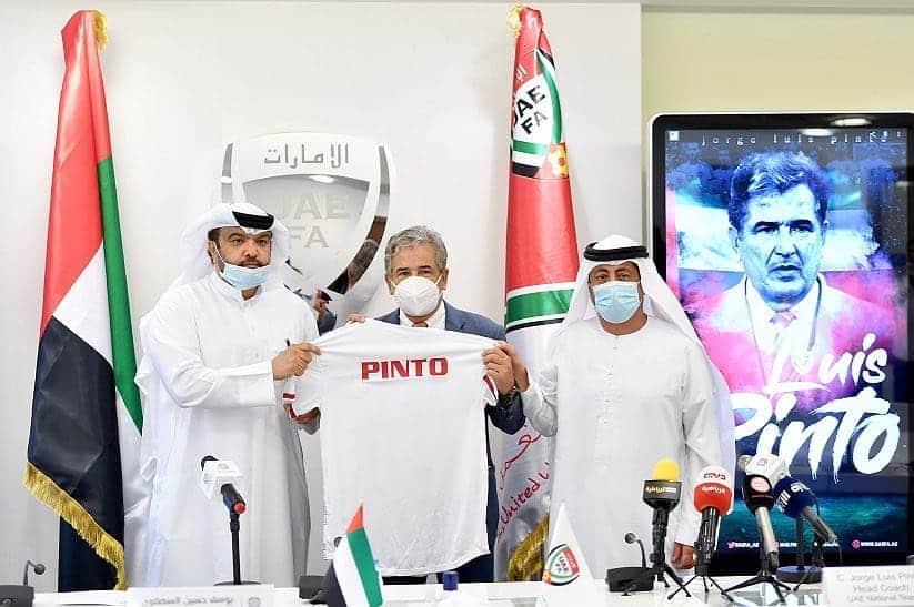 Pinto llegó a Emiratos Árabes, donde fue presentado