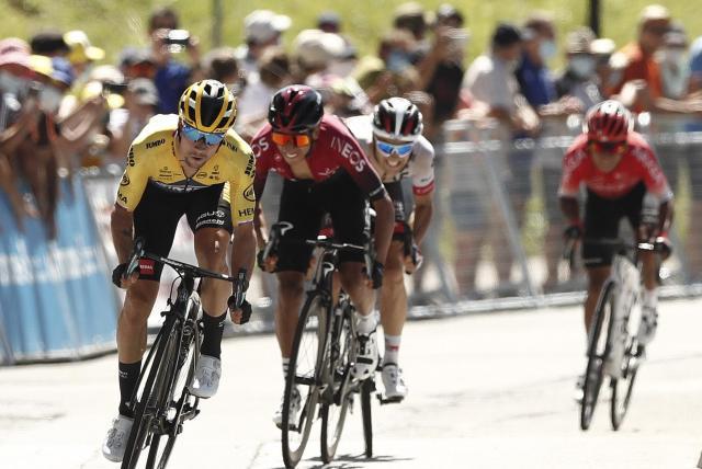 Van Aert sigue inspirado y es el primer líder del Dauphiné, Bernal tercero