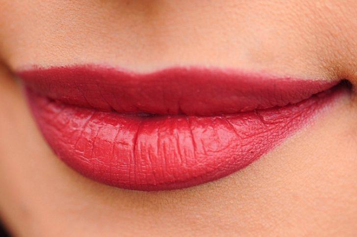 ¿Por qué sufres de labios resecos?