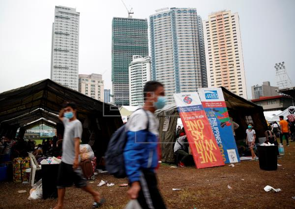 Manila retorna al estricto confinamiento por nueva ola de la COVID-19