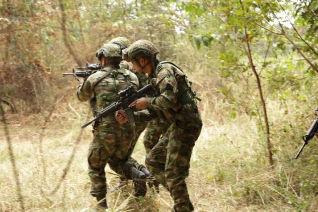 Enfrentamientos entre ejército y campesinos en Nueva Colombia