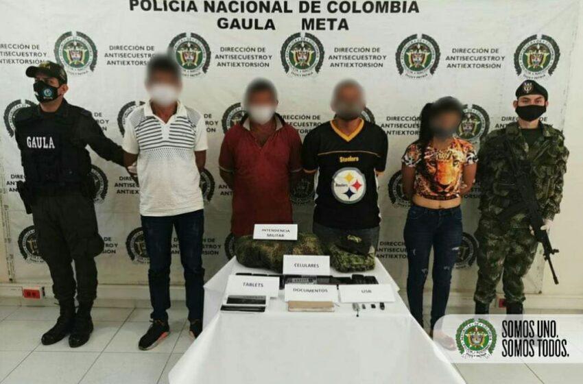 Con prendas militares y portando fusil hacían videos y los enviaban para presionar las extorsiones