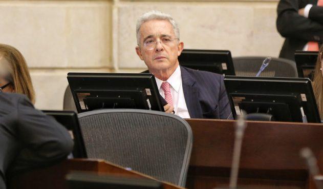 Uribe es reseñado como preso y pide que haya transparencia en su caso