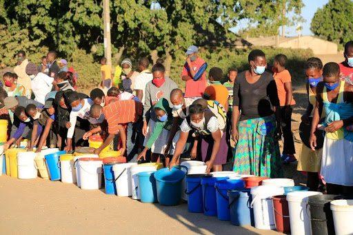 Lavarse las manos, un lujo en Harare