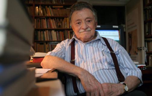 Uruguay homenajea la vida y la pluma de Benedetti en su centenario
