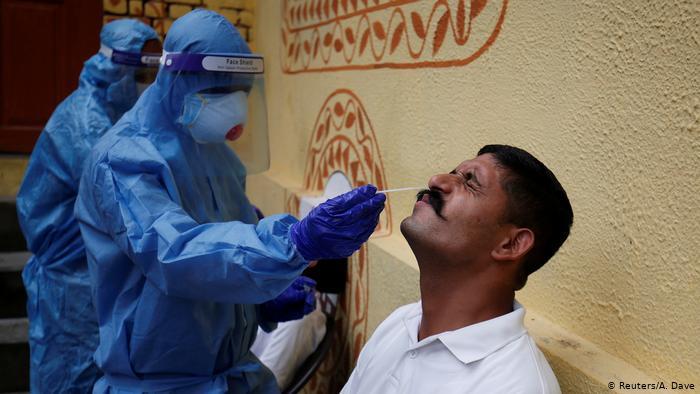La India supera los 5 millones de casos de COVID-19 con récord de fallecidos