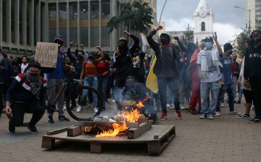 Disturbios cierran día de perdón y reconciliación contra violencia en Bogota