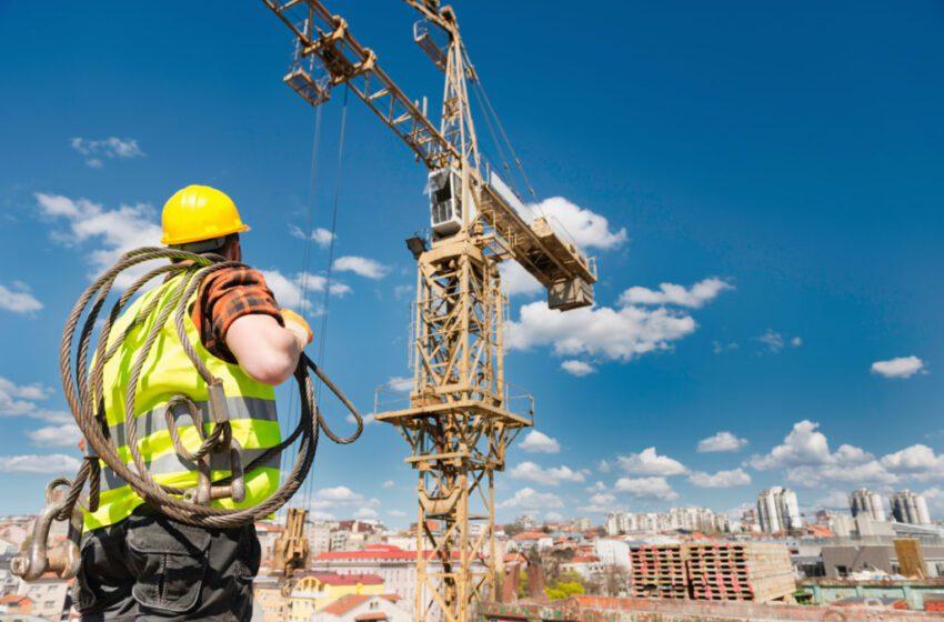 Ofrecen subsidios para cien mil viviendas, cuya construcción dará empleo a miles de trabajadores