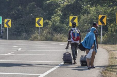 Aumenta número de venezolanos caminando a Bogotá en búsqueda de mejor vida
