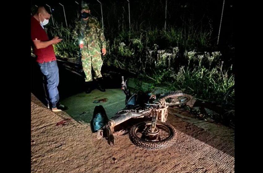 Grave soldado atropellado por indígena en moto