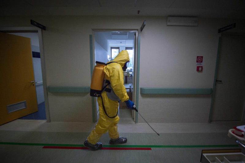 Hallan virus en superficies de habitaciones hospital a pesar desinfección