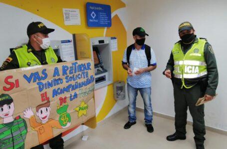 Optar por medidas de autoprotección al cobrar la prima de fin de año recomienda policía bancaria