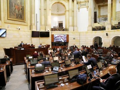 El uribismo radica en el Congreso un proyecto para derogar la Justicia de Paz