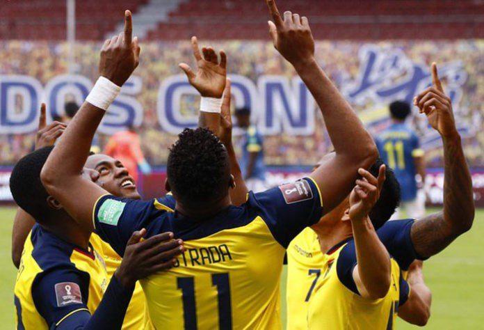 Ecuador gana por tercera vez seguida y golea a una deslucida Colombia por humillante 6-1