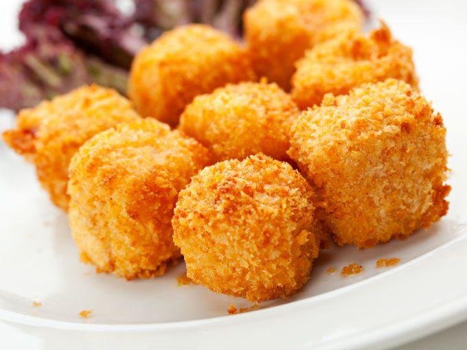Tienes que probar estás deliciosas croquetas de maíz con queso, serán tus favoritas