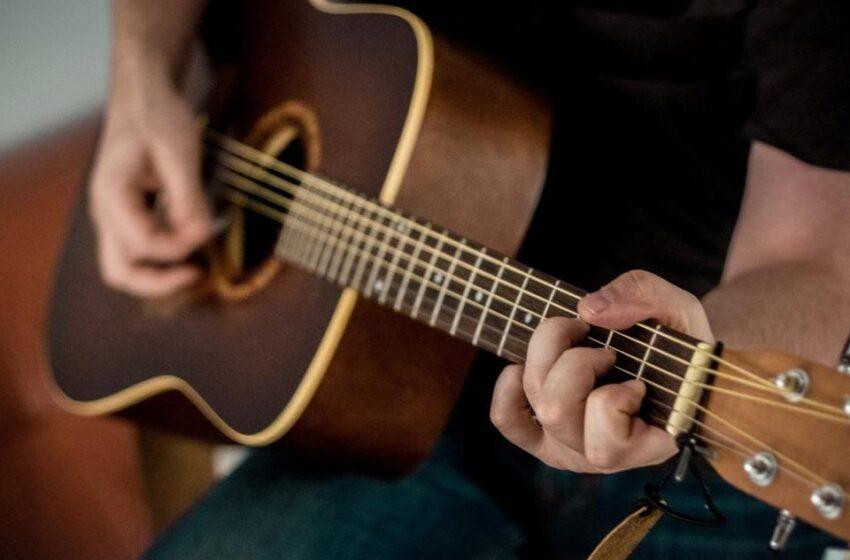 San Juanito en alistamiento para festival de música de cuerda en enero de 2021