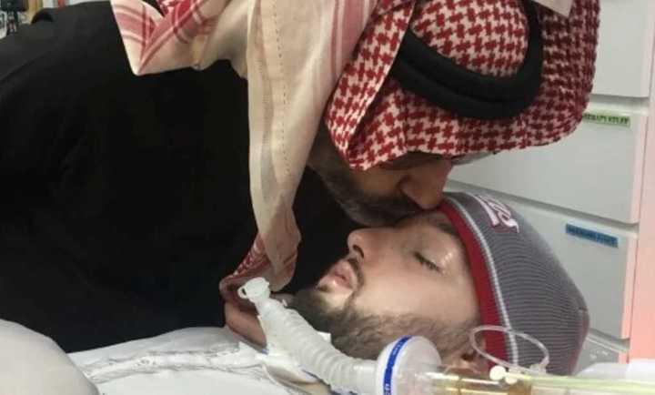 El 'príncipe durmiente' de Arabia Saudita mueve la mano luego de estar 15 años en coma