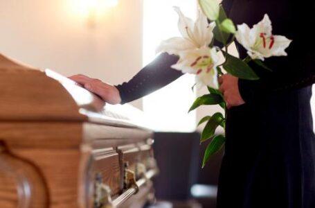 El levantamiento de cuerpos por deceso natural es responsabilidad del médico y la funeraria