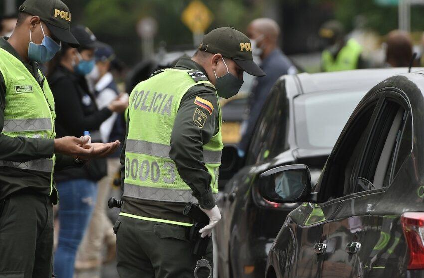 Gobernador exige a la policía hacer cumplir las medidas restrictivas por coronavirus en el Meta