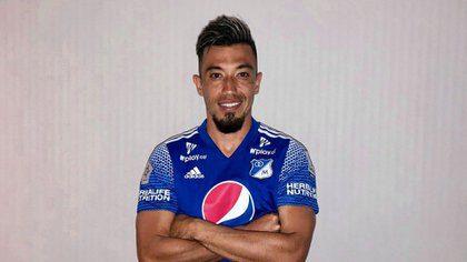 Millonarios cedió al clamor de su hinchada y presentó oficialmente a Fernando Uribe