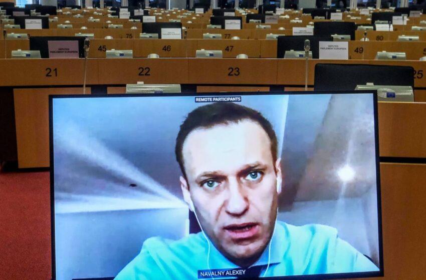 El opositor ruso Alexéi Navalni, declarado en busca y captura