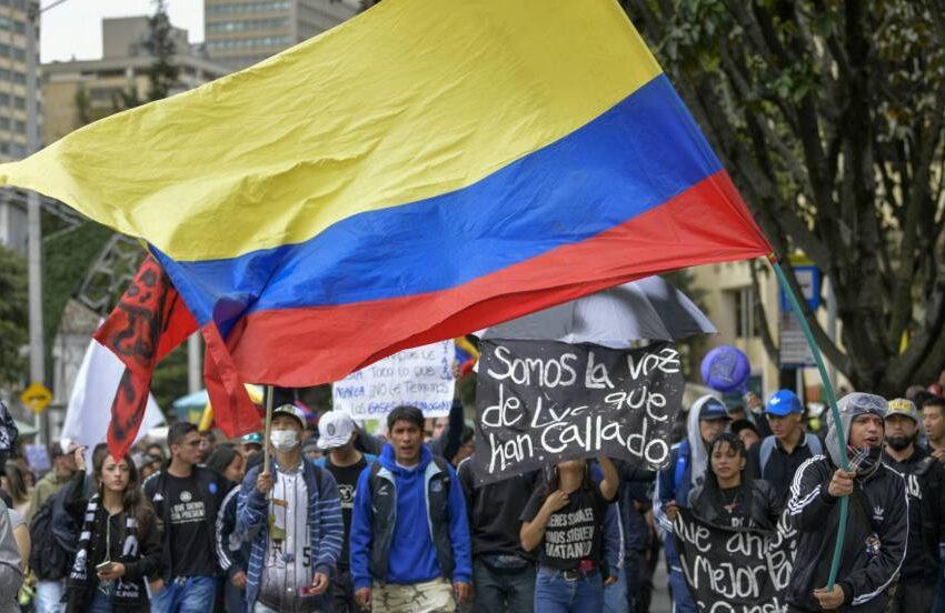 Contra las Reformas pensional y laboral y más IVA, se prepara un movimiento nacional de protesta