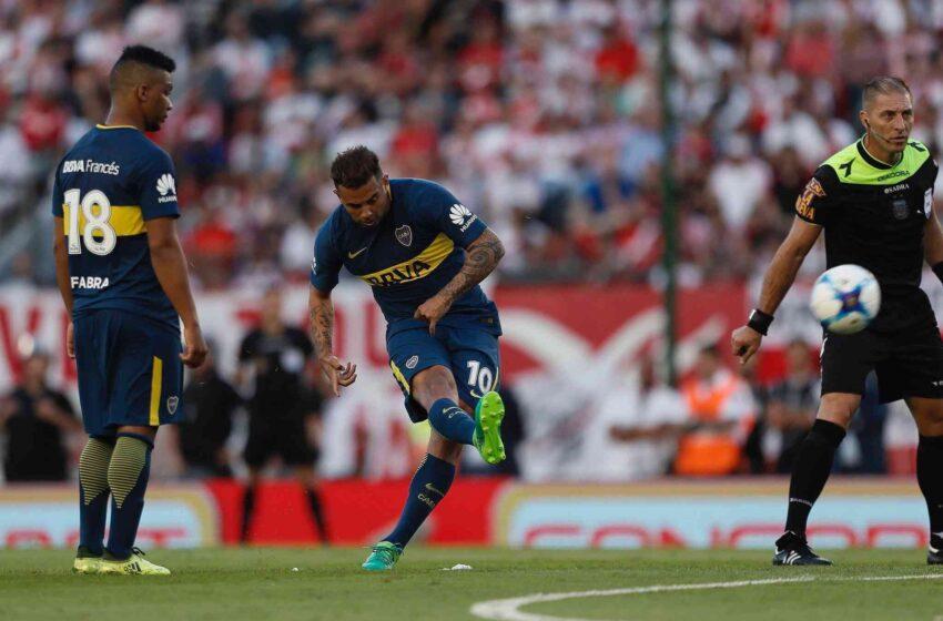 Cardona enamora a Boca Juniors con golazo de tiro libre