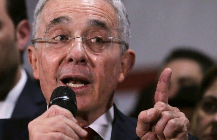 Uribe defiende su Gobierno ante nueva cifra de víctimas de «falsos positivos»